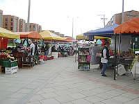 Vendedores informales causan malestar en Ciudad Verde