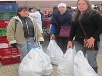 Entrega de canastas alimenticias en Fontibón