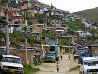 Transporte público, calvario para habitantes de  barrios altos de la comuna seis