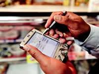 La era digital se toma a los tenderos de Colombia