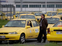 Este viernes incrementan las tarifas de taxi
