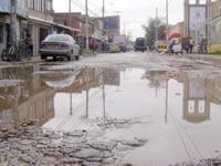 A pesar del pésimo estado de las vías de Soacha, municipio dice que no hay recursos para arreglarlas