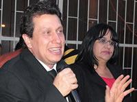 'Hay una mujer valiente que se atrevió a lanzarse al Congreso': Oswaldo Córdoba