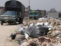 Arrojo indiscriminado de  escombros en la comuna tres