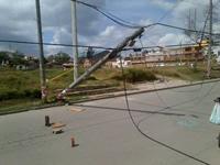 Poste amenaza seguridad  de habitantes del centro de Soacha