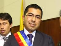 Asamblea departamental condecora a director de la CAR