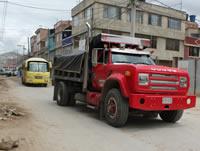 Desorden y caos vehicular, un peligro para los habitantes de la comuna tres