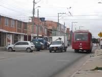 Vehículos pesados  y exceso de velocidad en calles de  Nuevo Compartir