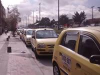 Taxistas de Soacha se toman la autopista sur