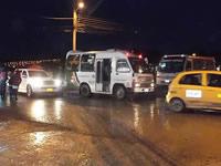 Demoras en trabajos de la  vía paralela también afectan a residentes de Rincón de Santa Fe