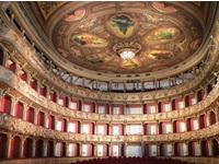 De nuevo se levanta el telón del Teatro Colón