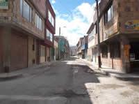 Concesión se llevó los postes en Rincón de Santa Fe y no los ha vuelto a instalar