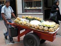 Mercados móviles    para vendedores informales de la calle 15 en Soacha