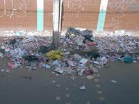 Institución Educativa  General Santander se inunda de basura