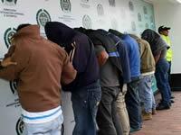 En Apulo capturan a siete falsos policías