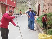 En la Veredita embellecen el  barrio y limpian zonas comunes
