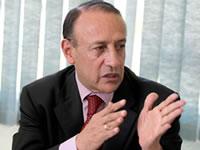 Álvaro Cruz, uno de los tres mejores gobernantes de país