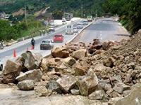 Derrumbes en la vía Bogotá Girardot