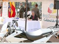 Umatas de Cundinamarca reciben motos