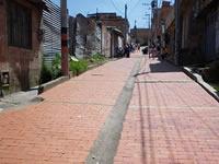 El adoquín es la alternativa vial en la comuna cuatro