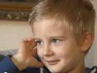 Multan a niño de 5 años por no acudir a fiesta