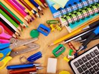 Done útiles escolares para los niños de La Veredita de Soacha