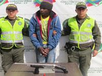 En comuna cuatro de Soacha capturan a sujeto con arma ilegal