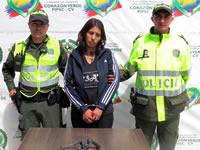 En Soacha capturan a mujer con arma de fuego ilegal