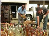 Destruyen licor decomisado en Cundinamarca