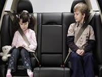 Uso del cinturón de seguridad en asientos traseros es obligatorio