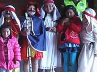 Convierta sus disfraces archivados en vestuario para niños actores de Soacha