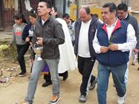 Ahora Eleazar González camina con paso firme