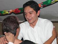Con amigos y seguidores, Juan Rivera celebra su cumpleaños