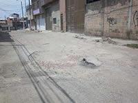 Transporte pesado destrozó las vías del barrio El Nogal