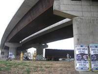 Crítica situación de inseguridad bajo el puente vehicular de Terreros