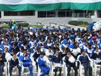 2500 estudiantes  se graduaron del DARE