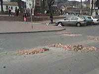 Escombros invaden vías del parque principal de Soacha