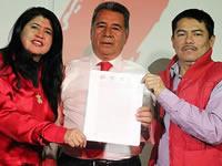Partido Liberal entrega  aval a Eleázar González
