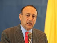 Gobernador Cruz renuncia a su cargo