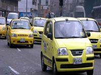 Taxistas en Bogotá trabajan de 12 a 15 horas por día