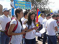 Multitudinaria marcha en Soacha en defensa de la familia