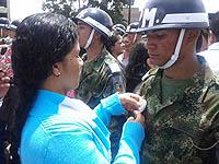 Soldados bachilleres juraron bandera en el parque de Soacha