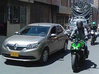Tráfico pesado amenaza integridad de peatones en León XII tercer sector