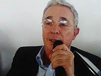 Álvaro Uribe acompañó la campaña por el No en Soacha