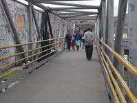 Mendicidad, delincuencia, desorden e insalubridad, factores que predominan en los puentes peatonales de Soacha