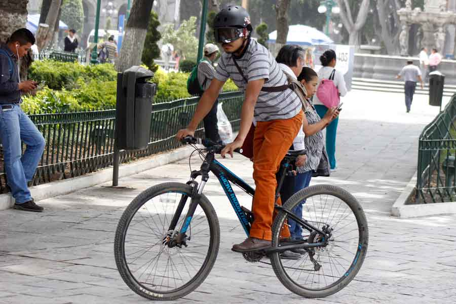 En Bogotá se celebra el día de la bicicleta y el peatón