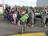 Fuerza Aérea entrega donaciones en Zipacón