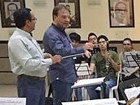 Compositor español capacita a directores de bandas sinfónicas de Cundinamarca
