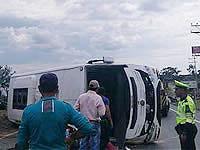 Se volcó bus del Ejército con 23 menores cerca a Fusa