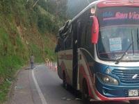 Accidente por caída de roca en vía de Cundinamarca